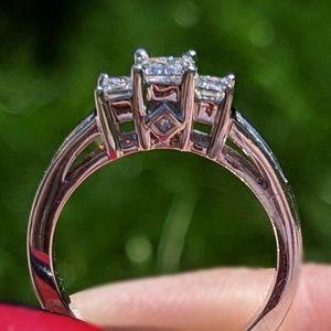 Three-stone Diamond ring - Kay Jewelers